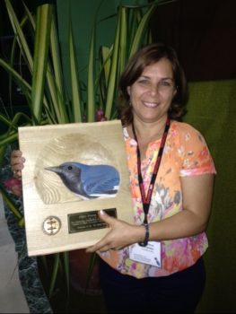 Alina Pérez Hernández accepting 2016 PIF Leadership Award